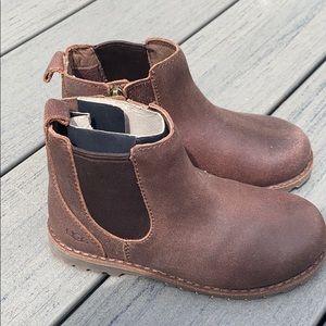 Nwt ugg boy boots